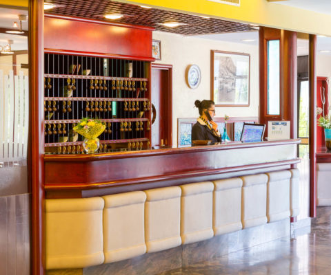 Hotel Caravel - Limone sul Garda - Reception