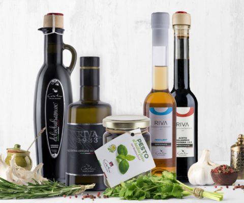 Fotografia olio d'oliva, aceto, prodotti tipici del lago di garda - ecommerce